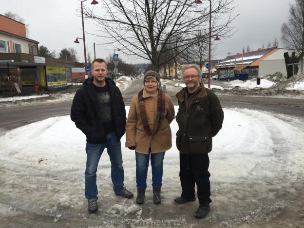 Matit Leppänen (vas)  ja Virtanen sekä Mirja Hallikainen innostavat mukaan elävöittämään Suolahtea. Ideoita ei kolmikolta puutu!