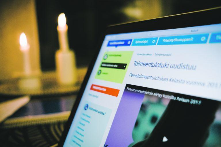 Toimeentulotuen verkkoasiointi avataan 12.12. osoitteessa www.kela.fi/asiointi. Voit toimittaa myös liitteet verkossa! Liitteeksi riittää selkeä kännykällä otettu kuva.