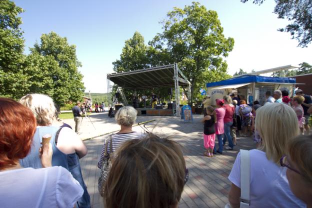 Keskuspuiston kesäkonsertit ovat varmasti  yksi tulevan kulttuurituottajan tehtävistä.