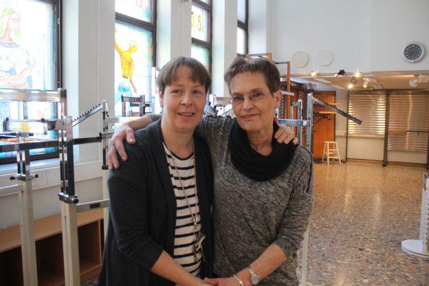 Susanna Onnelainen ja Tiina Masalin kiittävät jokaista asiakasta.