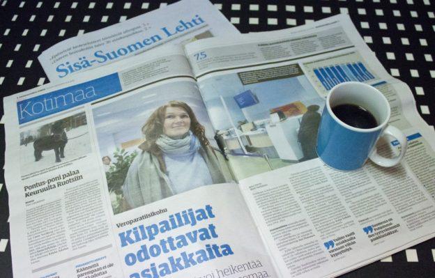 Tilattavaa sanomalehteä luetaan yhä harvemmassa aamukahvipöydässä.