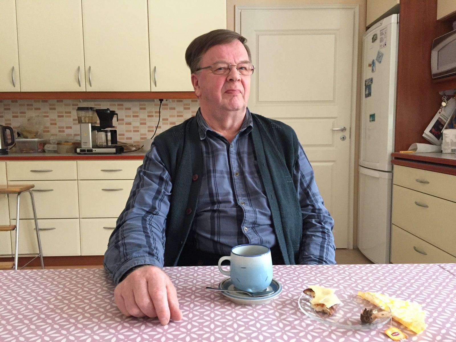 Heikki Häyrinen jäi Äänekosken poliisista rikosylikonstaapelin vakanssista eläkkeellle vuonna 2001.