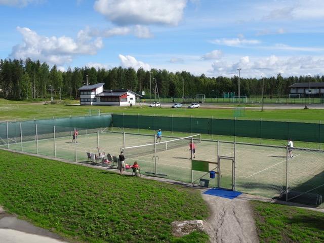 Tennismestaruuksista kisataan ensi viikolla Suojarinteellä ja Liikuntapuistossa