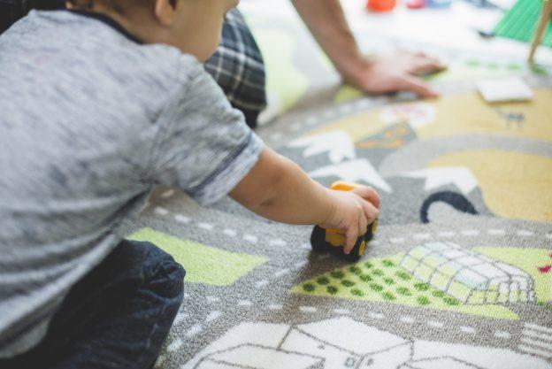 Keski-Suomessa etsitään lapsille uusia tukiperheitä